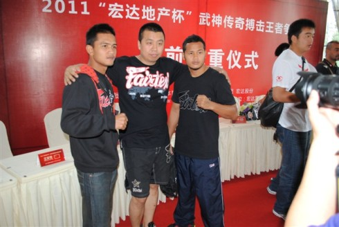 Fairtex fighters with Fairtex distributer in Shandong